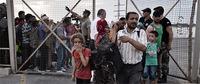 欧州は足止めされた難民46,000人に支援を