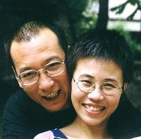 劉暁波さん(左)と劉霞さん(右) © Private
