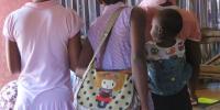 妊娠少女の通学禁止令を解除