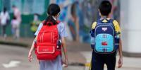 香港:「独立」考えさせた教員 免許取り消し