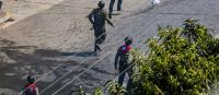 抗議デモを戦場兵器で弾圧 悪名高い国軍部隊も投入