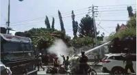 パプア人の権利を奪う法改正反対デモに暴力と暴言
