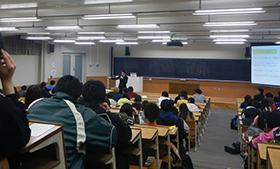 大東文化大学での講演の様子