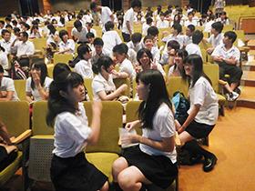 伊志田高校でのワークショップの様子