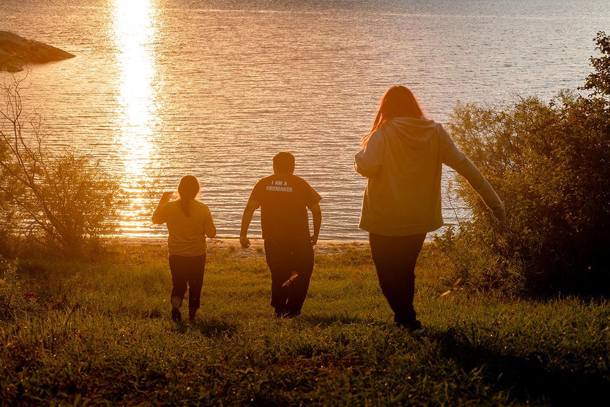 自然と暮らす先住民族アニシナベの子どもたち
