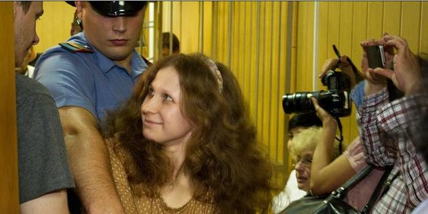 プッシーライオットのメンバー、マリア・アリョーヒナさんの仮釈放は却下された。