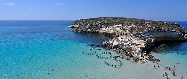 アムネスティは地中海での難民・移民の保護を訴え続けてきた。