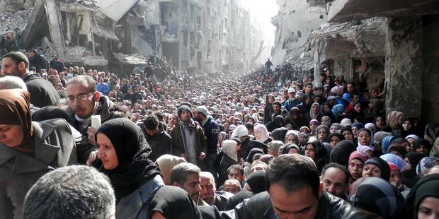 Government forces continue to enforce sieges, including upon 20,000 civilians in Yarmouk, south of Damascus.(C)unrwa.org
