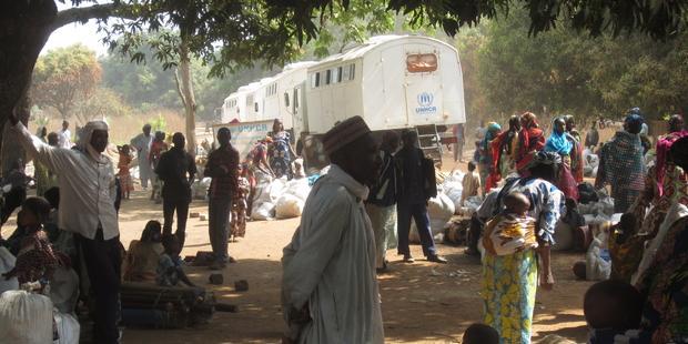 中央アフリカとチャドの国境にある一時滞在キャンプでは、2カ月も野ざらしで暮らしている人もいる。(C)Amnesty International
