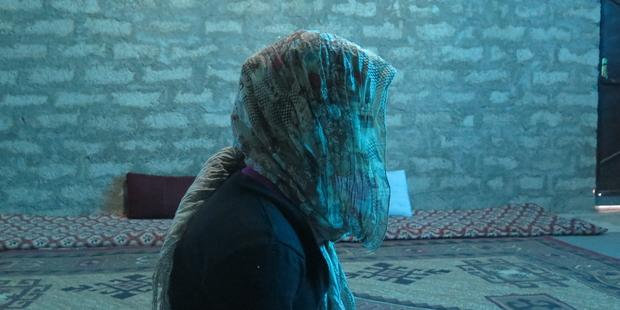 「イスラム国」による虐待の犠牲となった少女 © Amnesty International