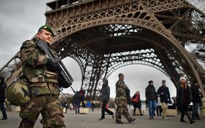 フランスは襲撃事件後1万の兵を配備した。(C)Jeff J Mitchell/Getty Images
