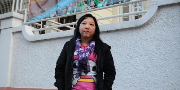 インドネシアからの移住家事労働者エリウィアナ・スリスチャニンシさんは、香港で雇い主から過酷な虐待を受けていた。(C)Amnesty International