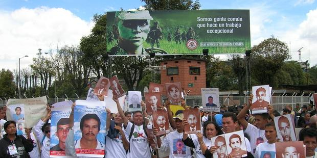 コロンビアの犯罪犠牲者の救済組織のメンバー多数が、民兵らに殺害や襲撃を受けている。(C) MOVICE