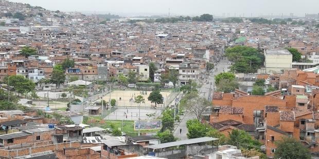 リオデジャネイロ最大のファヴェーラ。(C) AI