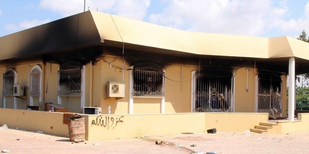 駐リビア米国大使、J.クリストファー・スティーブンスを含む4名が殺害され、さらに数名が負傷した(c)STRINGER/AFP/GettyImages