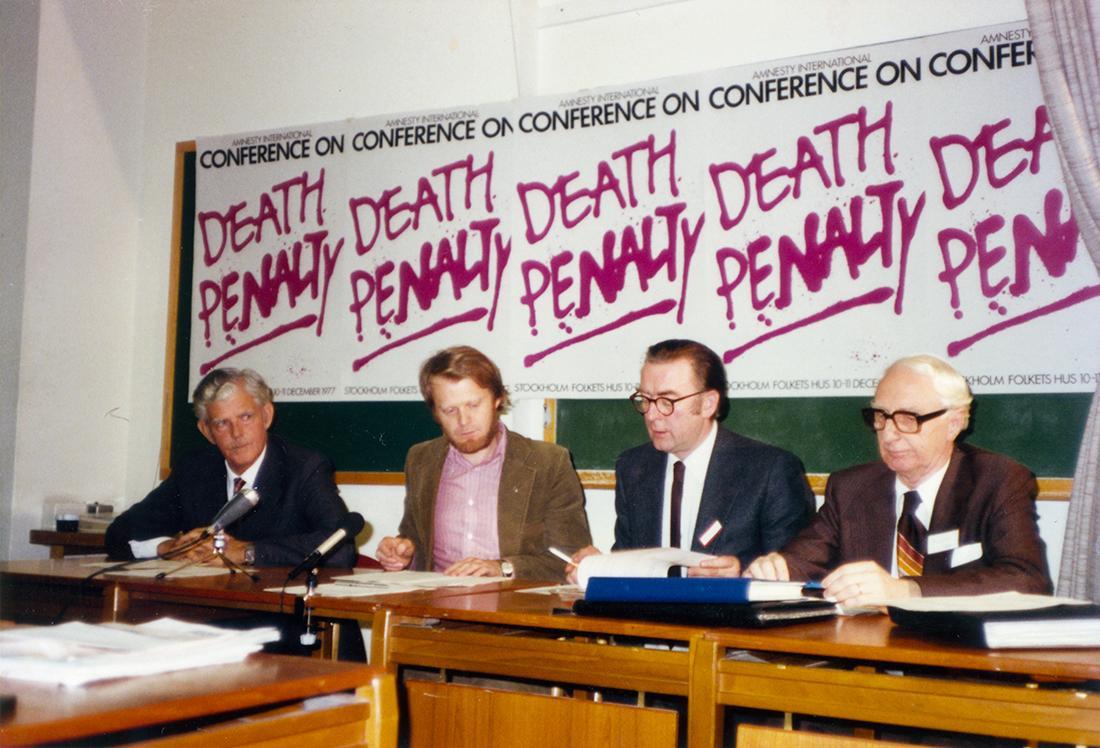 1977年12月、アムネスティは死刑廃止に関する国際会議を開き、死刑は生きる権利の侵害であり、残虐で非人道的な刑罰であると宣言(ストックホルム宣言)