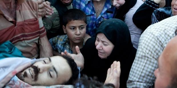 シリアでは多,くの市民のかけがえのない命が奪われ続けている(c)AI